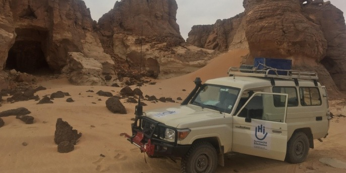 Jeep de l'ONG Handicap International au Tchad